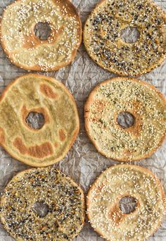 EASY and FAST Quinoa Flatbread Bagels! Soft and chewy or crisp and crunchy, these delicious Quinoa Flatbread Bagels are perfect for breakfast or a yummy snack. Gluten Free Baking, Vegan Baking, Healthy Baking, Vegan Gluten Free, Paleo, Healthy Food, Allergy Free Recipes, Vegan Recipes, Alkaline Recipes