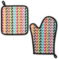 Oui by French Bull™ Vee Oven Mitt and Potholder (€12) ❤ liked on Polyvore