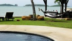 Angthong Villa: The free-form swimming pool fronts a secluded stretch of Bophut Beach. #JSHammock