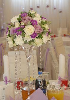 bia%C5%82a+fioletowa+dekoracja+sto%C5%82u+wesele+Nysa+opolskie024_.JPG (716×1024)
