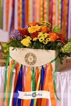dekoracja stołu ślub folk wedding table decoration colours Table Decorations, Furniture, Home Decor, Jars, Decoration Home, Room Decor, Home Furnishings, Home Interior Design, Dinner Table Decorations