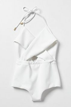 Structured white one-piece #swim