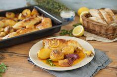 Ich glaube es gibt keine leckerere Marinade als eine Zitronenmarinade für Hähnchenteile. Das Zitronenhuhn lässt sich super vorbereiten und ist das perfekte Mittag- oder Abendessen.