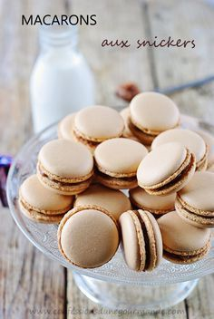 Snickers Macarons Recipe - in French, will have to use Google translate!