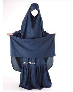 çarşaf Abaya Fashion, Fashion Dresses, Abaya Pattern, Hijab Stile, Hijab Tutorial, Girl Hijab, Hijab Chic, Mode Hijab, Niqab
