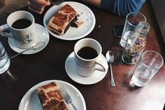 foodiesfeed.com_black-coffee-poppy-seed-strudel_low