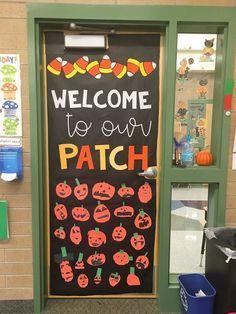 Halloween Classroom Door, Minion Halloween, Spooky Halloween, Theme Halloween, Happy Halloween, Thanksgiving Classroom Door, Halloween Bulletin Boards, Preschool Bulletin Boards, Daycare Crafts