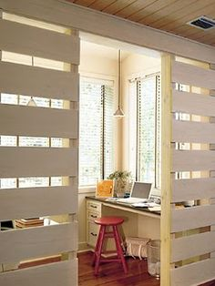 palette screen walls to block off an office nook