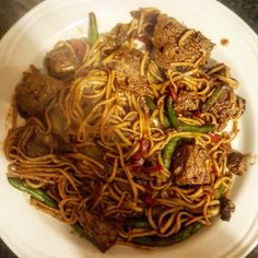 Stuffed Mushrooms, Stuffed Peppers, Weight Loss Blogs, Egg Noodles, Stay Safe, Soy Sauce, Japchae, Stir Fry, Onions
