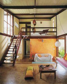 Na seleção de escadas estão os modelos que atendem a todos os tipos de casa. Loft House, House Rooms, Casa Hotel, Tiny Loft, Casa Cook, Compact House, Loft Room, Loft Spaces, Prefab