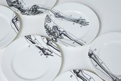I MUST have these plates...if I ever get married, this is #1 on my registry.
