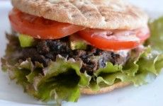 Black Bean Burger- Lots of easy meals on this website!