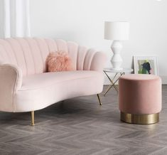 Add a touch of glamour 💟 to your home with the stunning and sophisticated Rose Water Shell Sofa by Darcy & Duke. Made with the softest velvet, the deco inspired curves provide both comfort and style. Interest free payment options available. 😜www.finditstyleiihome.com.au #furniture #homeinspo #interiorinspo #velvetsofa #sale #interiors4all #interiorlovers #onlineshopping #finditstyleithome #pinksofa Monochrome Bedroom, Bedroom Couch, Living Room Decor, Bedroom Decor, Pink Couch, Comfy Sofa, Luxurious Bedrooms, New Room, Interior Design