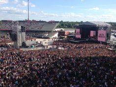 Outre Ariana Grande, le concert aréuni Justin Bieber, Katy Perry, Coldplay, Robbie Williams et Take That, Pharrell Williams, Miley Cyrus, Usher, les Black Eyed Peas, Little Mix ou encore Niall Horan, du groupe One Direction. Franceinfo vous propose de retrouver la vidéo intégrale.