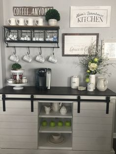 Outstanding DIY Coffee Bar Ideas for Your Cozy Home / Coffee Shop - Coffee Bar - Coffee Bars In Kitchen, Coffee Bar Home, Coffee Corner, Coffee Bar Station, Home Coffee Stations, Coffee Station Kitchen, Tea Station, Coffee Shop, Coffee Maker