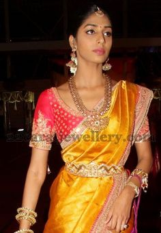 Jewellery Designs: Pinky Reddy Daughter Mango Mala