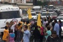 ¡SE CALIENTA LA CALLE! Protestan en la Francisco Fajardo contra golpe de Estado del TSJ