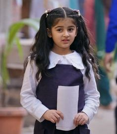 Kids Blouse Designs, Cute Girl Dresses, Child Actresses, Patiala, Pretty Wallpapers, Indian Fashion, Cute Girls, Queens, Baby Kids