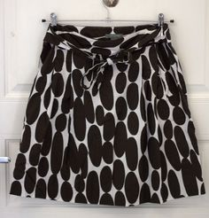 ANN TAYLOR printed a-line skirt. Brown and white pattern. Size US 10. In very good condition. Price - 300 CZK.