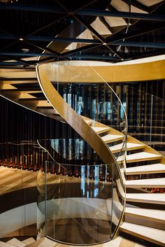 Photography of the luxury hotel Almanac Barcelona Modern Staircase, Staircase Design, Aviation Furniture, Glass Stairs, Steel Stairs, Staircase Makeover, Take The Stairs, Amazing Architecture, Stairways
