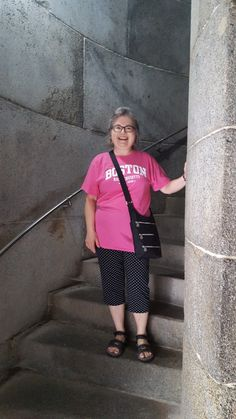 We did not climb to the top of the Bunker Hill monument but we pretended that we did. I am wearing Boston tee, black capri pants and Teva sandals. Bunker Hill Monument, Ultralight Backpacking, Packing Light, Maine, Boston, Capri Pants, Challenges, Take That, Sporty