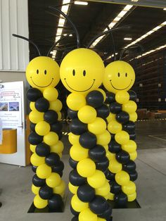 Caterpillar balloon columns black and yellow