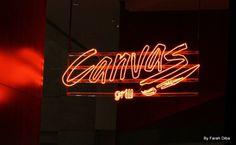 """Uma galeria de arte suspensa é o que se vê ao entrar no Canvas. Localizado no Hotel Hilton em São Paulo, o Canvas é um restaurante que foge da proposta original de """"restaurante de hotel"""". Dentre os pontos marcantes estão a alta gastronomia, o aconchegante e confortável ambiente, a decoração de altíssimo nível, a adega …"""
