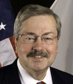 As predicted by other states' bad experiences, Gov. Terry Branstad's decision to privatize Iowa's Medicaid program has run into serious problems.