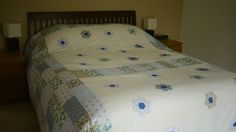 Blue rectangles and hexagons king size quilt
