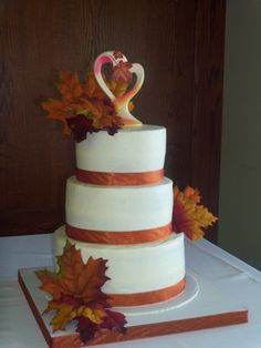 autumn wedding cakes pictures | fall wedding cake leaves fall wedding cake