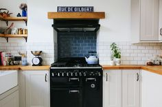 Semi Home Tour Kitchen - A Kitchen/diner Renovation Country Kitchen, New Kitchen, Kitchen Decor, Kitchen Units, Luxury Kitchens, Home Kitchens, Edwardian House, Build A Closet, Kitchen Upgrades
