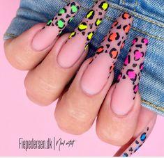 Bling Acrylic Nails, Gradient Nails, Summer Acrylic Nails, Neon Nails, Best Acrylic Nails, Swag Nails, Bright Acrylic Nails, Matted Nails, Kylie Nails