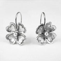 Silver Deseo Flower Earrings