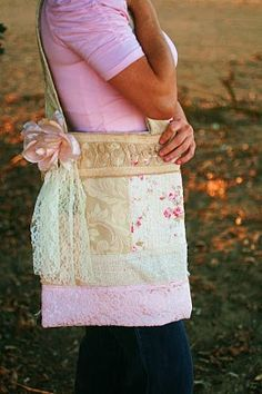 Another Great Shabby Chic Purse.  This is so me!