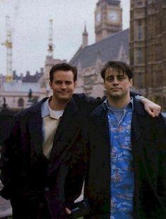Friends For ever Friends Cast, Friends Moments, Friends Show, Friends Forever, Baby Friends, Friends Series, Chandler Bing, Ross Geller, Joey Tribbiani