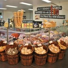 Nowra Farmers Market's deli has mouth-watering products sourced from the South Coast and Australia, as well as other quality food regions around the world.