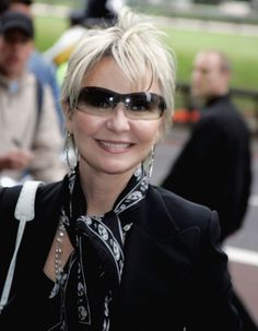 Singer Lulu Turns 60, looks great!