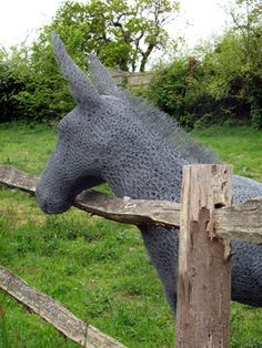 Chicken wire donkey. haha. maybe kyle would let me have one of these donkeys.