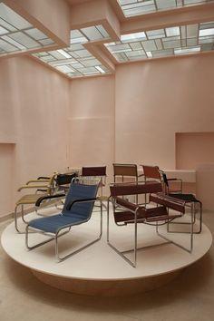 lothaire-hucki Bauhaus, Marcel Breuer, Metal Chairs, Outdoor Furniture, Outdoor Decor, Sun Lounger, Furniture Design, Art Deco, Interior