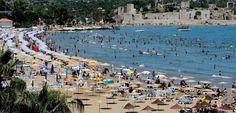 """Medyascope ///  Turizmde düşüş devam ediyor, Antalya'da """"açık alanda içki"""" yasaklandı"""