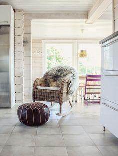 Keinutuoli keittiössä | Rocking Chair in the Kitchen