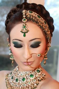 Head piece and nose ring - wedding makeup. Loving the headpiece. Indian Head Jewelry, Indian Wedding Jewelry, Bridal Jewelry, Hair Jewelry, Indian Headpiece, Indian Braids, Saree Hairstyles, Indian Hairstyles, Braid Hairstyles
