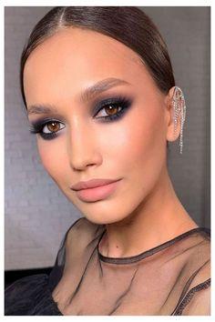 Glossy Makeup, Nude Makeup, No Eyeliner Makeup, Makeup For Brown Eyes, Smokey Eye Makeup, Beauty Makeup, Color Eyeliner, Thin Eyeliner, Dramatic Makeup