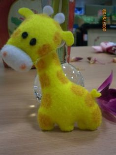 felt giraffe - i'm making one......but mine will look like moschops....