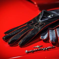 Our Black and Grey Driving Gloves for men with red stitching are a perfect combination with this red Maserati 3500 GT. All our driving gloves are made from the finest luxury peccary leather. Leather Gloves, Leather Men, Best Gloves, Driving Gloves, Make A Case, Red Interiors, Sporty Look, Men's Accessories, Maserati