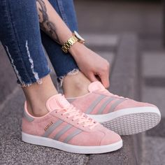 Adidas gazelle w Casual Sneakers, Sneakers Fashion, Fashion Shoes, Adidas Runners, Adidas Sneakers, Shoes Sneakers, Women's Shoes, Baskets Adidas, Cute Shoes