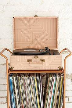 Crosley X UO Cruiser Cream Briefcase Portable Vinyl Record Player - Urban Outfitters