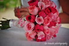 Pink wedding bouquet, pink rose bouquet. Destination wedding in Mexico. Photo by Liz Banda Photography.