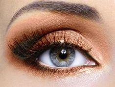 Choosing Best Makeup Accessories for Hazel Eyes