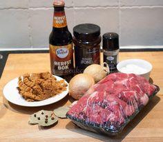 Ovenschotel met stoofvlees en rodekool Yummy Food, Tasty, Slow Cooker, Steak, Low Carb, Cooking, Drinks, Kitchen, Drinking